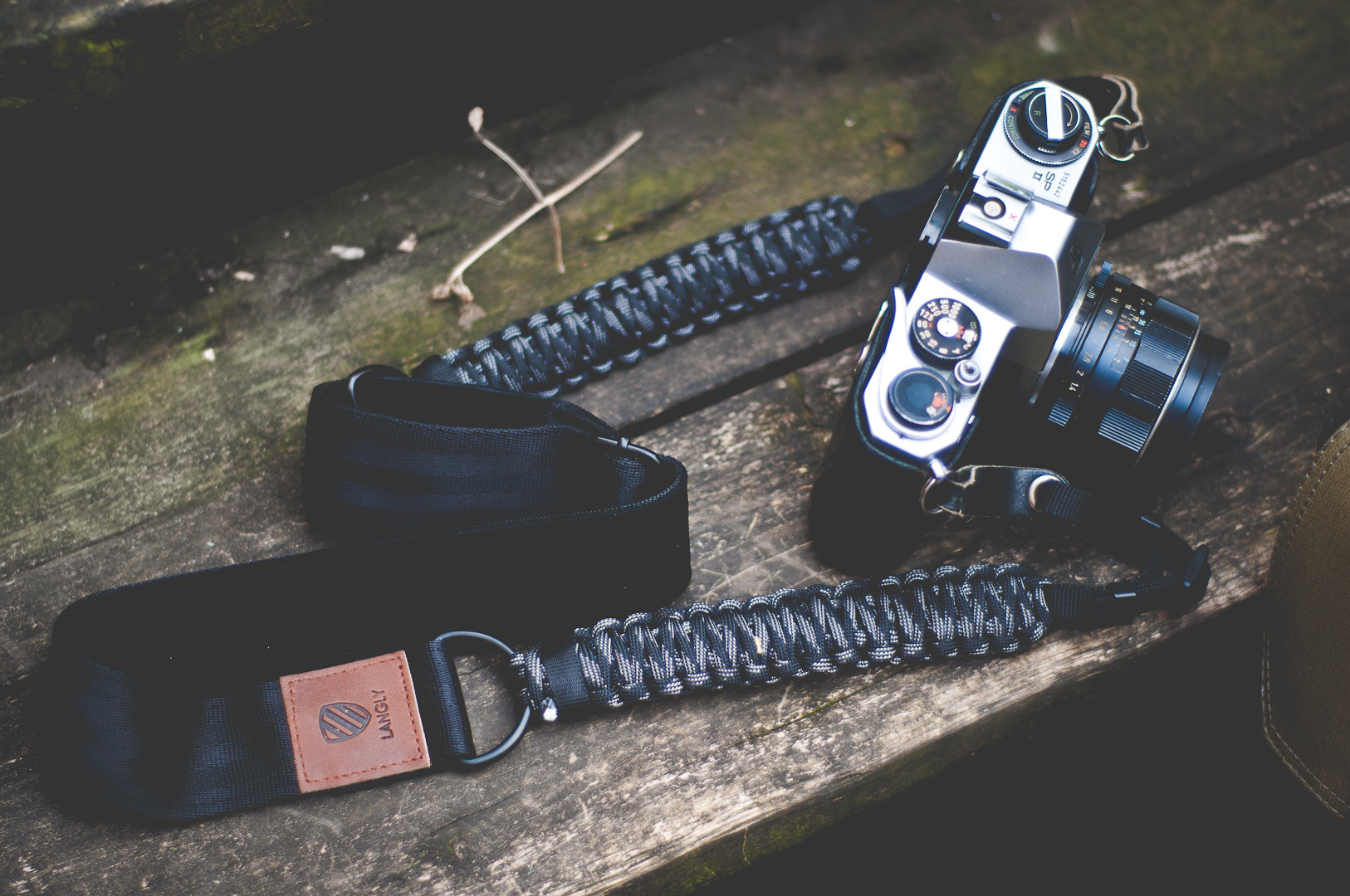 langly paracord strap